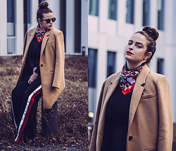 Jules - Ray Ban Sunglasses, Zara Scarf, Zara Pants, Sisley Turtleneck Top, Pimkie Coat - Altes Muster, neu belebt.