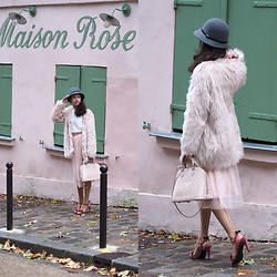 Claire H - H&M Fake Fur Coat, Shein White Blouse, H&M Skirt, Louis Vuitton Alma Bag, Mime Et Moi Velvet Heels - La Maison Rose