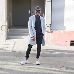 Willie Sparks - Zara Coat, Reebok Sneakers - Minimal life