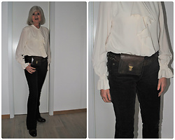 Reni E. -  - Chic meets casual with waist-bag
