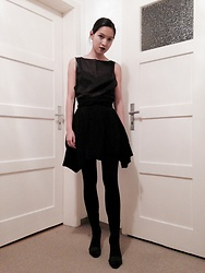 Tram Anh - American Apparel Top, Urban Outfitters Bralet, American Apparel Skirt (Actually Dress), H&M Heels - Noir