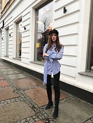 Laila Szaranek - White And Blue Stripe Shirt, H&M Black Leggins, Overknee Black Boots - Blue marine