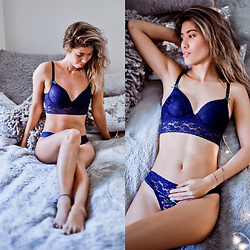 Ohn MintyFresh - Ppz Dark Blue Lace Push Up Crop Bustier, Ppz Dark Blue Lace Thong Panty - Valentine Blues