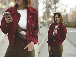 Elsa Gervasi - Twinkledeals Jacket, Stradivarius Top, Zaful Jumpsuit - Burgundy Jacket