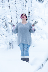 Ninaah Bulles - Rosegal Kitty Jeans, Lili La Tigresse Pull - Kitty in the snow