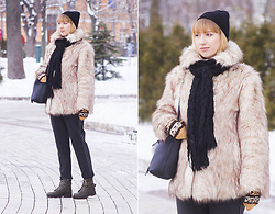 Julia F. - Mohito Beanie, Asos Fur Coat, Asos Boots - When it's cold
