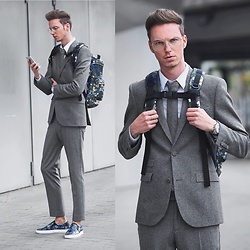 Chaby H. - Erdemxhm Grey Suit, Erdemxhm Floral Slipon, Vintage Glasses - Suit up !