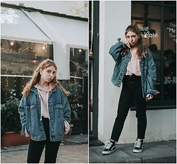 Andriana Argiropoulou - Pull & Bear Oversized Denim Jacket, Pull & Bear Sweatshirt, Asos Mom Jeans, Vans Sneakers - Double Denim