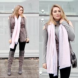 Ania K. [www.overdivity.com] -  - Grey and pale pink