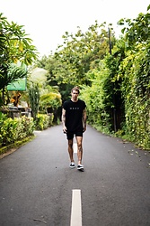 Richy Koll - Vans Sneakers, Urban Outfitters Shorts, Obey T Shirt - Bali 🌴
