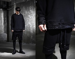INWON LEE - Byther Dark Rope Embroidery T Shirts, Byther Dark Rope Detail Short Pants, Byther Dark Running Shoes, Byther Dark Rope Sunglasses - Dark Black Rope