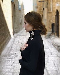 Getman Marina - Zara Blouse, Get Man Jewelry Earrings - Heart in Jerusalem