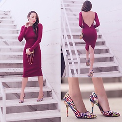 Elizabeth Keene - Gold Vintage Bag, Steve Madden Colorful Heels, Lulu*S Burgundy Dress - The perfect Valentine's Day Dress