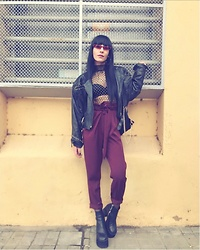 Valentina R. - Shein Body, Romwe Red Sunglasses, Unif Bonnie Boot - Red?
