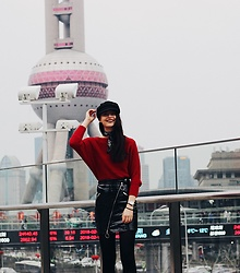 Nora Aradi - Sweater, Nakd Skirt, H&M Scarf, Nakd Hat - Shanghai tower