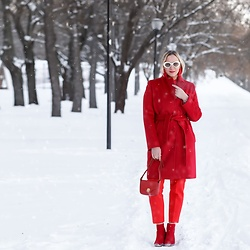 Anna Kopa - Maxmara Coat, Zara Pants, Cocinelle Bag, Anna Kopa Earrings, Asos Glasses, Stradivarius Boots - Total red