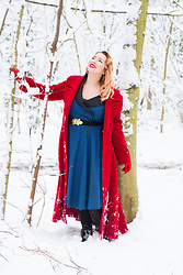 Alice Duporge - Top Vintage Dolly Dress, Vintage Mantle - Féerie d'hiver