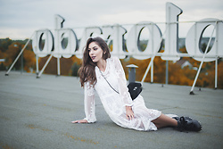 Laila Szaranek - Yoins White Lace Dress, Gamiss Black Chain Bag, Black Leather Boots - Autumn Vibes