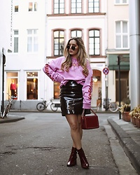 Fashiontwinstinct - Fleek Sweater, Topshop Boots - Red & Pink.