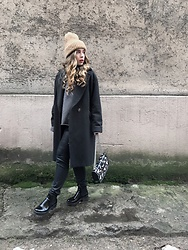 Liva Bambale - Asos Black Boots, H&M Grey Long Coat, Zara Grey Sweater, Zara Nude Beanie, Mango Floral Bag, H&M Faux Leather Jeans - Spring where you at'?