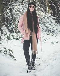 Jen Lou M - Zerouv Black Octagonal Aunglasses, Missguided Embellished Boots - Melt the snow