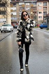 Marija M. - H&M Faux Fur Jacket, Stylebest Pointy Color Block Boots - Color block boots - blogged