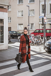 Stephanie Van Klev - Hallhuber Maxi Cardigan, Zara Turtleneck Sweater, Gucci Belt, Citizens Of Humanity High Waist Jeans, Zara Over The Knee Boots, Balenciaga Bag - Cardi Love <3