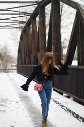 Emilia Matuszko - Zara Denim, Reserved Blouse, Stradivarius Shoes, Mango Bag - VINTAGE STYLE