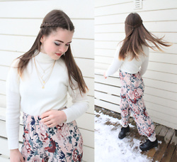 Siri ♧ - Nyx Eyeshadow, Glitter Rose Quartz Earrings, Gina Tricot Necklace, Wego White Sweater, Gina Tricot Floral Pants, Dinsko Black Platforms - Floral ❀