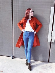 Mirjam Berg - Vintage Orange Coat, H&M White Shirt, H&M Blue Jeans, Ecco Sneakers - I was on fire yesterday 🔥