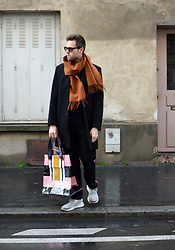 Jordi - Fillipa K Scarf, Cos Coat, Acne Studios Face Shopper, Dries Van Noten Trousers, Nike Sock Dart - Face Shopper - IG: jordi.stals