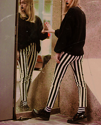 Sabina Bacevich - Mango Striped Pants, Bershka Oversized Sweater, Bell Sueno Classy Creepers - White stripes (4/4)