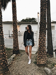 K-laa White - Forever 21 Marled Open Front Cardigan, Levi's® Vintage Levis Shorts, Vans White High Tops, Levi's® Vintage Levis Black Tee - Feels like christmas