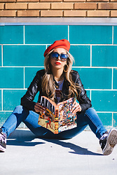 "Eliza Romero - Urban Outfitters Red Felt Beret, Quay On The Prowl Sunnies, Truly Madly Deeply White Sport Ringer Tee, Free People Levi's Mile High Super Skinny Jeans In ""Shut The Front Door"", Converse Black Canvas High Tops - Comics, Card and Collectibles"