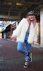 Sandy Joe Karpetz - Clairol Pink Hair Dye, H&M Striped Top, Vans Sk8 Hi Sneakers, H&M Faux Fur Coat, Frank & Oak High Waisted Stevie Jeans, Vintage Paperboy Hat - Pink Hair Don't Care