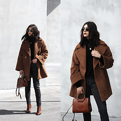CLAUDIA Holynights - Vipshop Coat, Vipshop Turtleneck Loose Sweater, Vipshop Bag - Chestnut