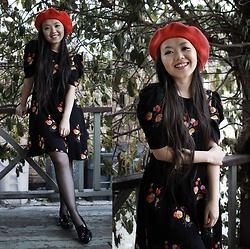 MC Y - Zara Floral Dress, 14th & Union Red Beret, Via Spiga Black Loafers - Red Beret & Spring Dress