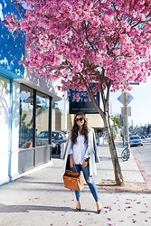 Kat Tanita - Grey Coat, Treasure & Bond Drapey Classic Shirt, Mother High Waisted Looker Ankle Fray Jean, Sam Edelman Hazel Pointy Toe Pump, Hermès Togo Kelly Retourne 40 - Cherry Blossom Season in LA