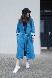 Frankie Miles - Woodwood Fisher Hat, Levi's® Denim Coat, Rich And Royal Black Dress, Vans Sneaker - Fresh and so clean