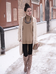 Claire H - Very Old Vintage Coat, Hallhuber Necklace, H&M Knit, Romwe Boots, Perrin Paris Clutch - Let's go together
