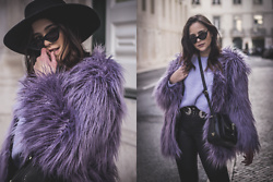 Sara Meess - Zerouv Sunglasses, Mango Faux Fur Coat, Mango Pullover, Stradivarius Pants, Guess Bag - Lisbon II