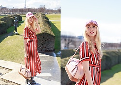 Eleonora Albrecht - Habanero Pink And Brown Bag, Animagemella Striped Dress, Forever 21 Beret - A Spring promenade