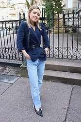 Anna Borisovna - Zara Jacket, Massimo Dutti Belt, Levi's® Jeans, Zara Shoes - The Linen Jacket
