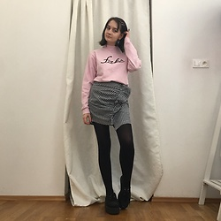 Carolyn D - Local Heroes Sweatshirt, Romwe Skirt, Ebay Creepers - ♡ fake♡