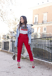 Besugarandspice FV - Levi's® T Shirt, Gucci Bag, Zara Denim Jacket, Uterqüe Trousers - Red Trousers For Spring
