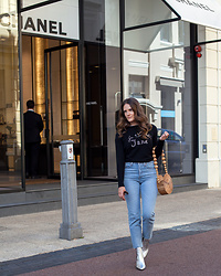 Jenelle Witty - Bella Freud Je T'aime Jane Sweater, Cult Gaia Bamboo Circle Bag, Levi's® Wedgie Straight Jeans, Jo Mercer Boots Silver - Je t'aime Jane