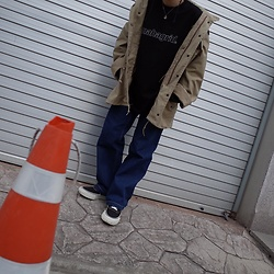 Mushroooooom H - Comme Des Garçons Ganryu Sneakers, Alpha Industries Ma 1 Jacket - Blaaack street