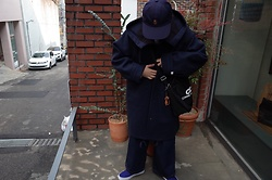 Mushroooooom H - Bape Cap, Comme Des Garçons Cdg Bag, Thisisneverthat Navy Coat - Naaaaaaaavy🌎