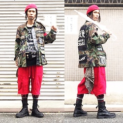 @KiD - Ca4la Red Beret, Diy Camouflage Jacket, Napalm Death Cut Off Tee, Diy Waist Bag, Code Red Crust Shorts, Dr. Martens Combat Boots - JapaneseTrash357