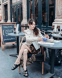 Frankie Miles - Lespecs Sunnies, Alexander Mcqueen Lamb Leather Jacket, Kiomi Striped Shirt, Na Kd Skirt, Steve Madden Slides - Les Galeries Royales Saint-Hubert